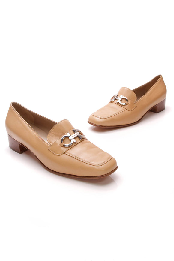 Salvatore Ferragamo Gancini Loafers Tan Size 10