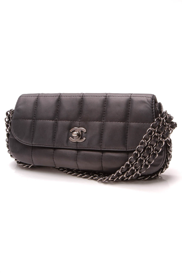 Chanel Chocolate Bar 3 Chain Flap Bag Navy