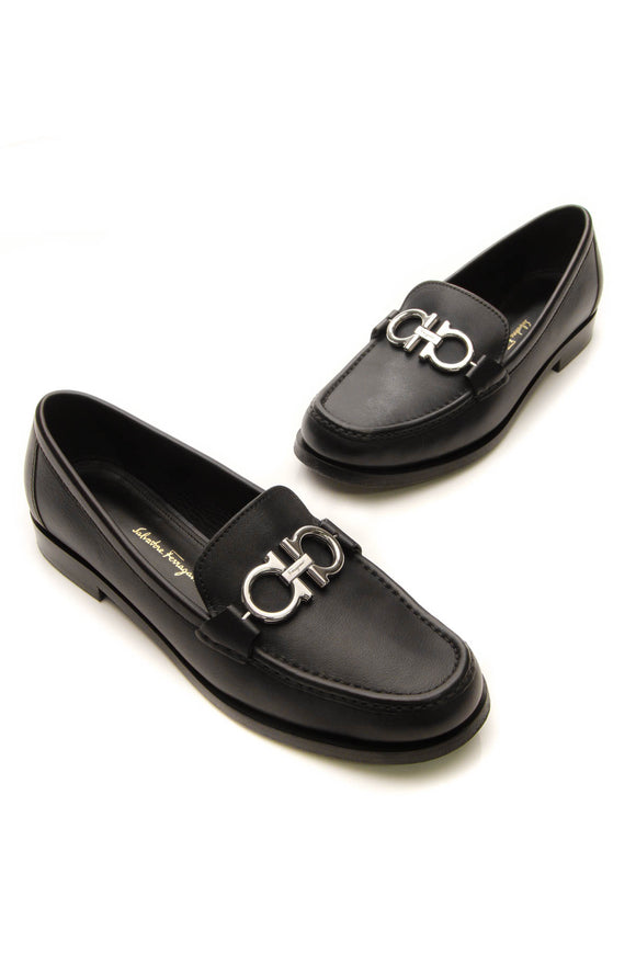 Salvatore Ferragamo Rolo Loafers - Black Size 7