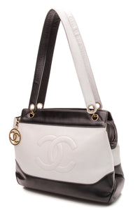 chanel-cc-shoulder-bag-navy-blue-white-calfskin