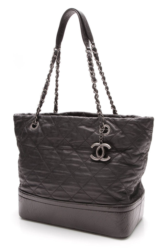 chanel-vip-medium-shopping-tote-bag-black