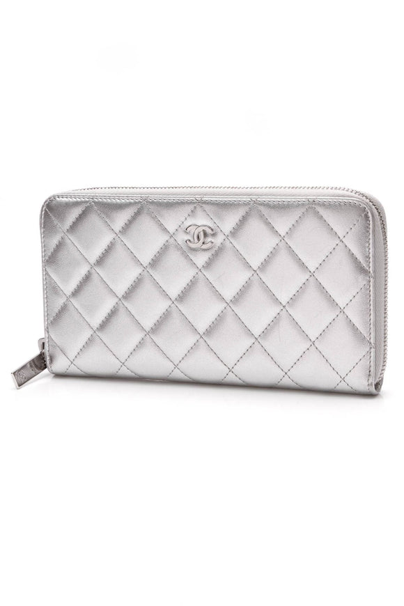 chanel-quilted-zippy-wallet-silver