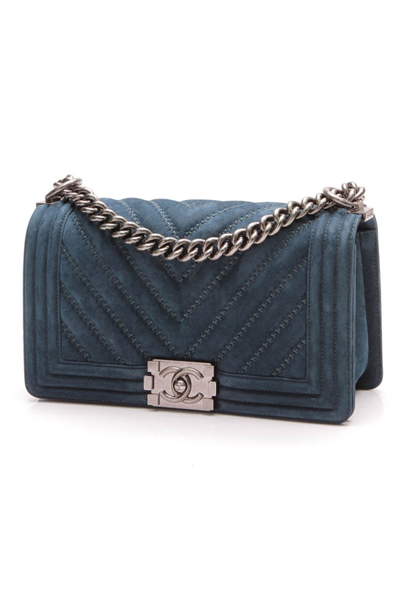 chanel-chevron-boy-bag-medium-blue