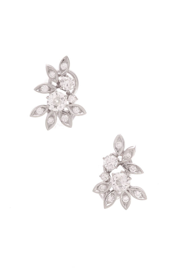 14k-white-gold-diamond-floral-earrings