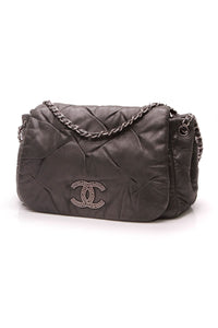 chanel-glint-accordion-flap-bag-black-iridescent-calfskin