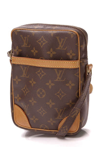 louis-vuitton-danube-messenger-bag-monogram