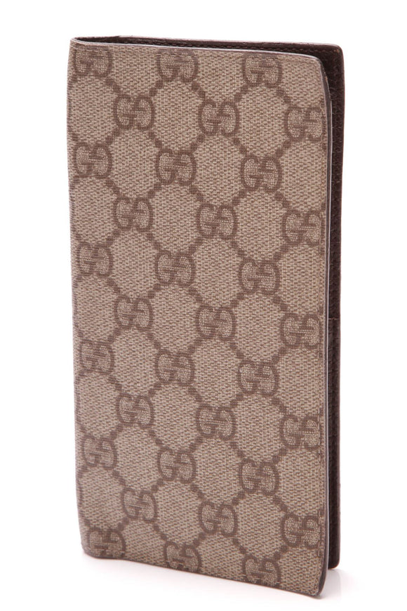 gucci-checkbook-cover-wallet-gg-plus