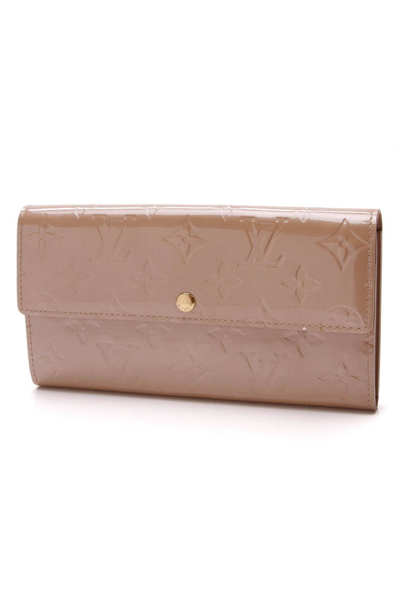 louis-vuitton-sarah-wallet-noisette-vernis