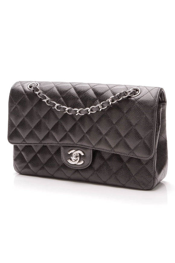 chanel-classic-double-flap-bag-medium-caviar-leather
