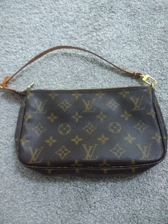 Louis Vuitton Accessories Pochette bag