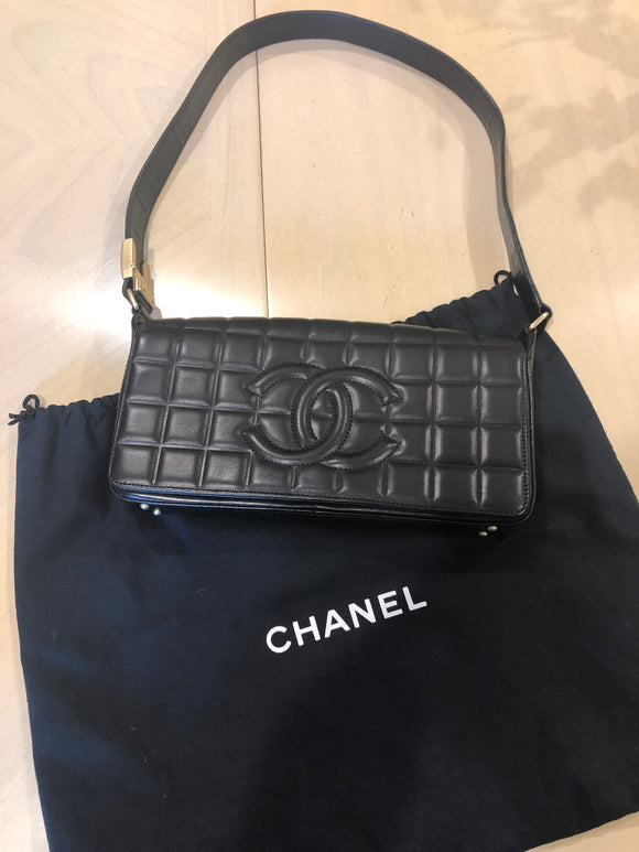 Chanel Chocolate Bar Flap bag