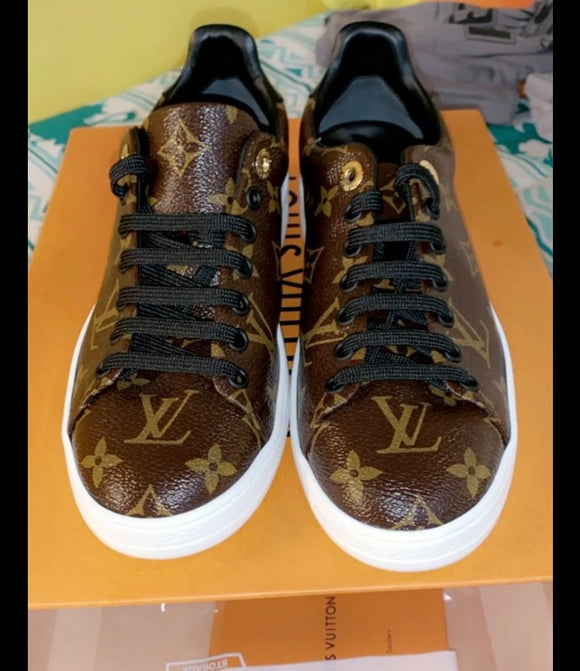 louis vuitton monogram frontrow sneakers