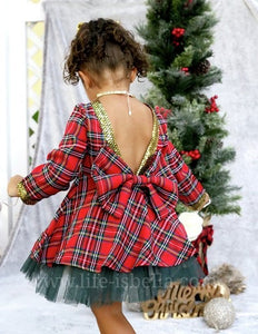 Christmas Outfit - © 2019, Life Is'Bella / NEYSOUTH LLC.