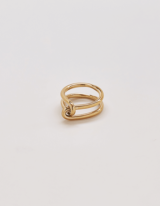 Ariyah Double Knot Ring in Gold
