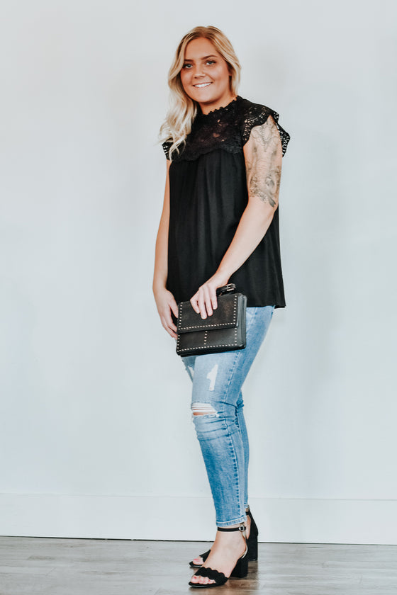 Ayla Lace Cap Sleeve Top in Black