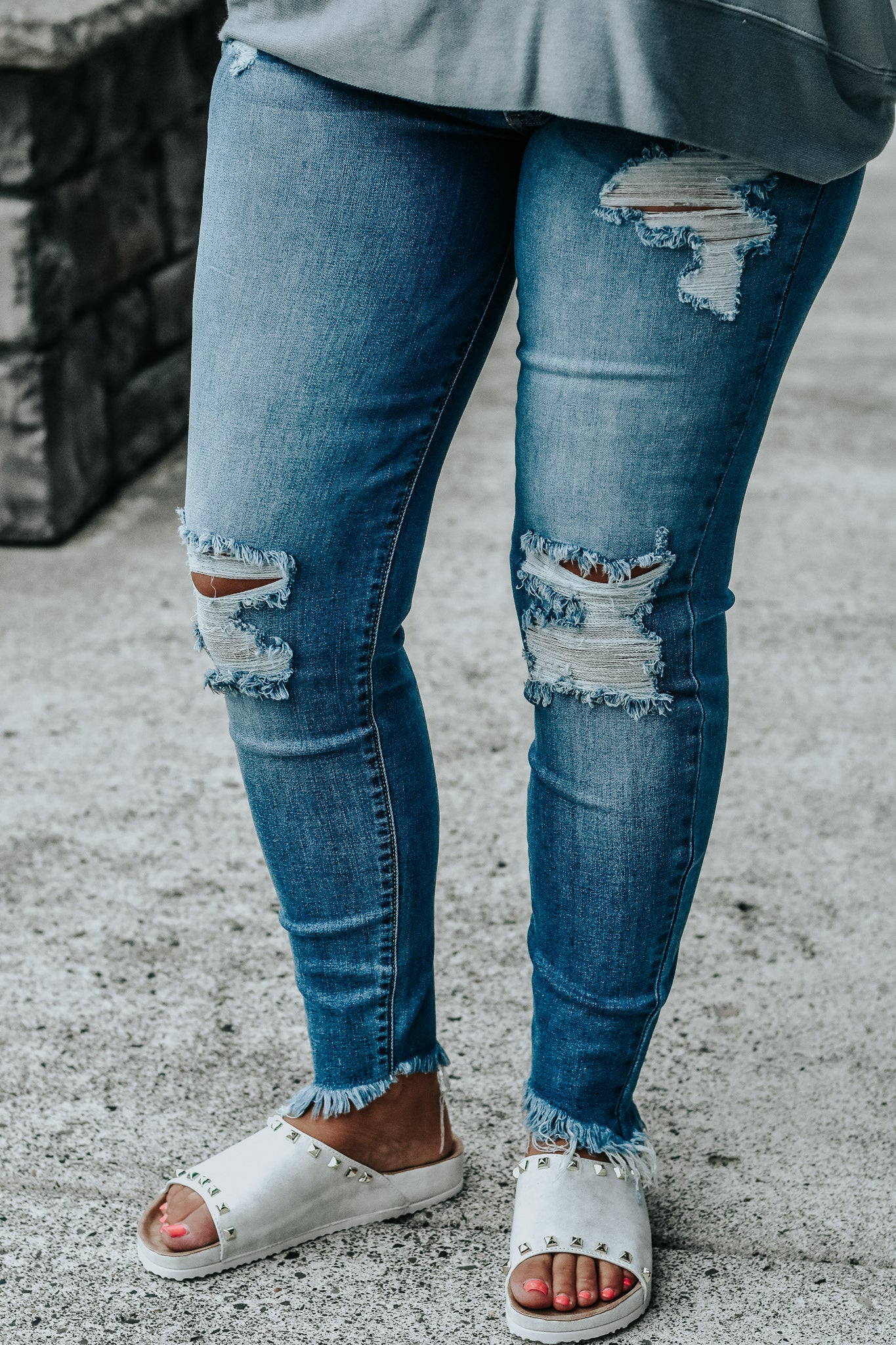 Baylee Light Wash Destructed Jeans