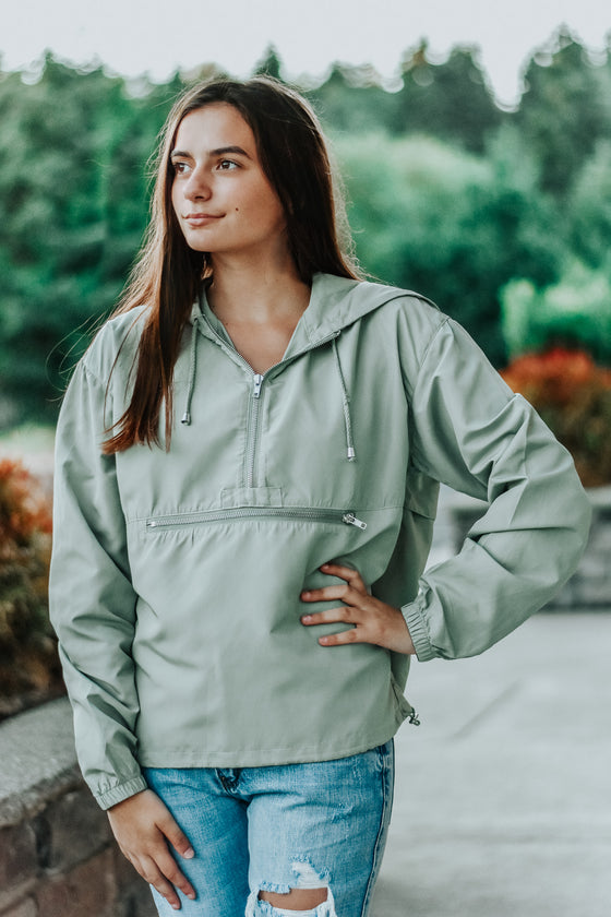 Gabriella Windbreaker in Olive