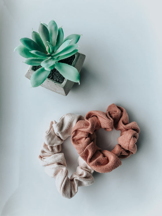 Kinslee Suede Mini Scrunchie - Cream