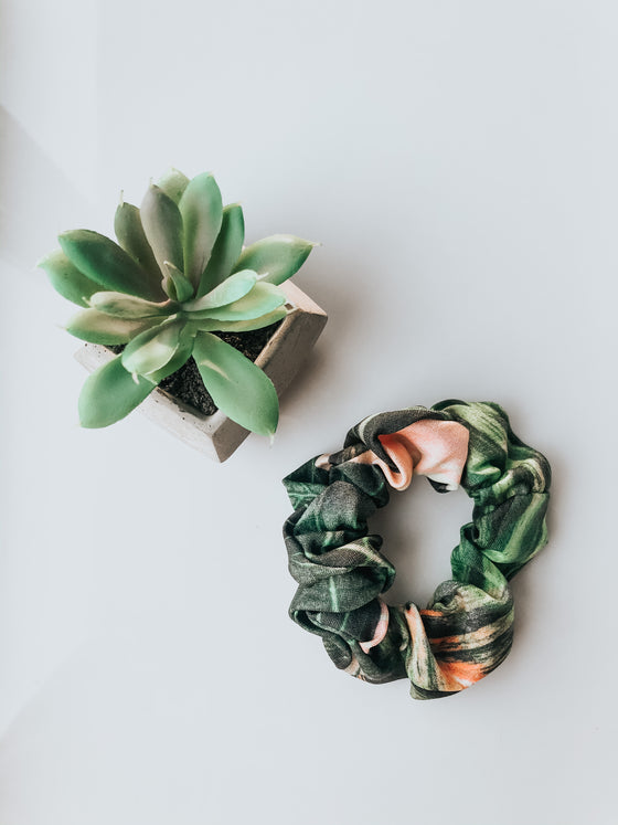 Roselyn Tropical Palm Scrunchie