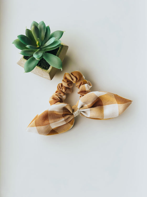Pearl Gold Buffalo Check Scrunchie