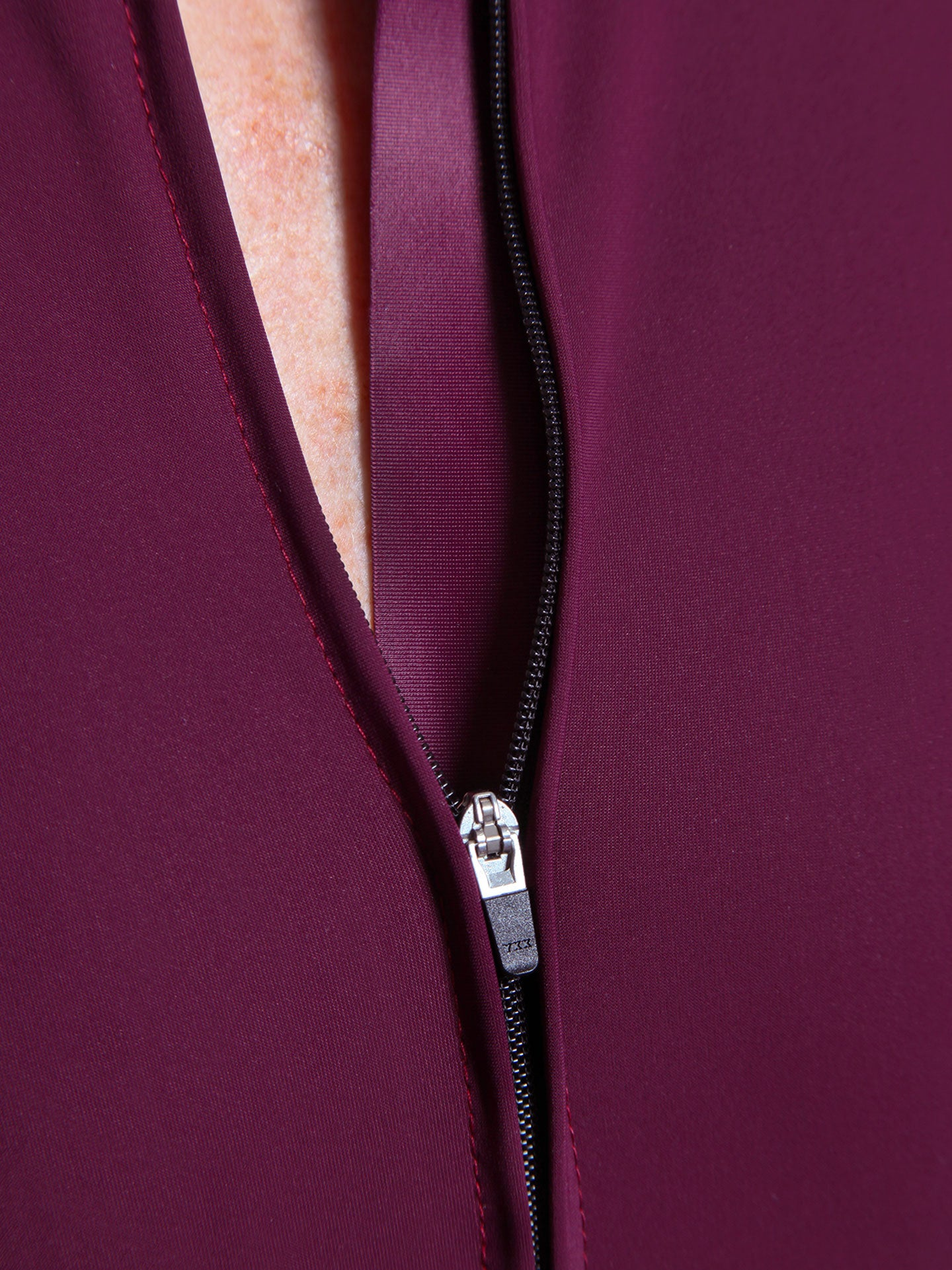 NGNM Performance Jersey Purple Aubergine detail YKK zipper