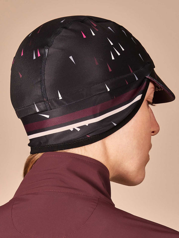 NGNM Winter cap black burgundy ear band