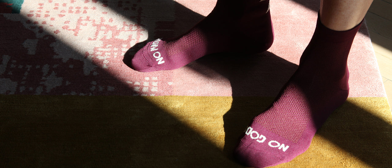 slider|NGNM Power-up cycling socks plum front