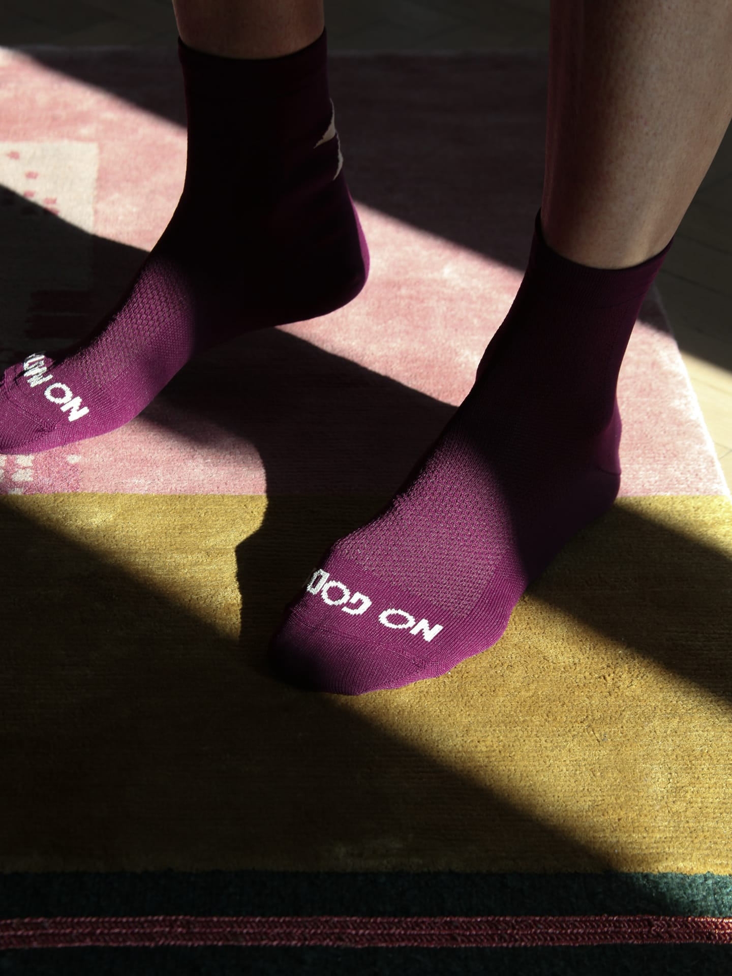 NGNM Power-up cycling socks plum front side