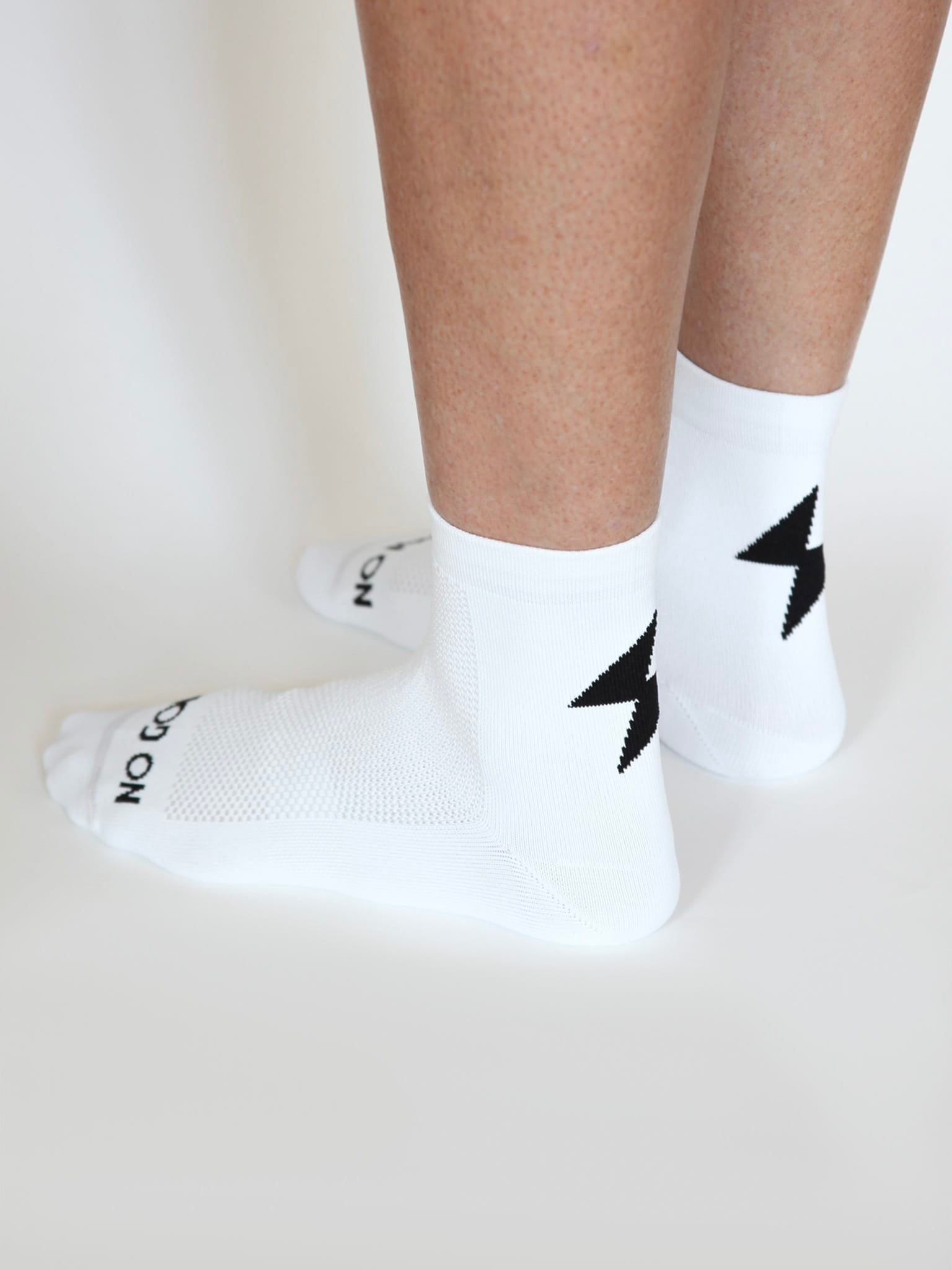 NGNM Power-up cycling socks white side