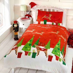 Red BELIEVE IN MAGIC Duvet Cover Set by Rapport
