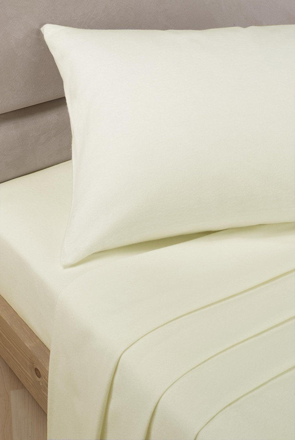 Ivory Percale Polycotton 4ft (3/4 bed) Fitted Sheet 180 TC by Rapport