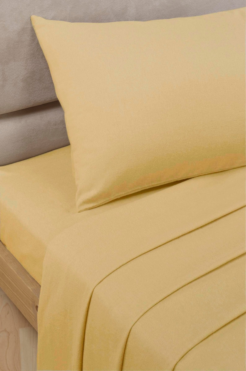 Ochre Percale/Polycotton Fitted Sheet 180 TC by Rapport