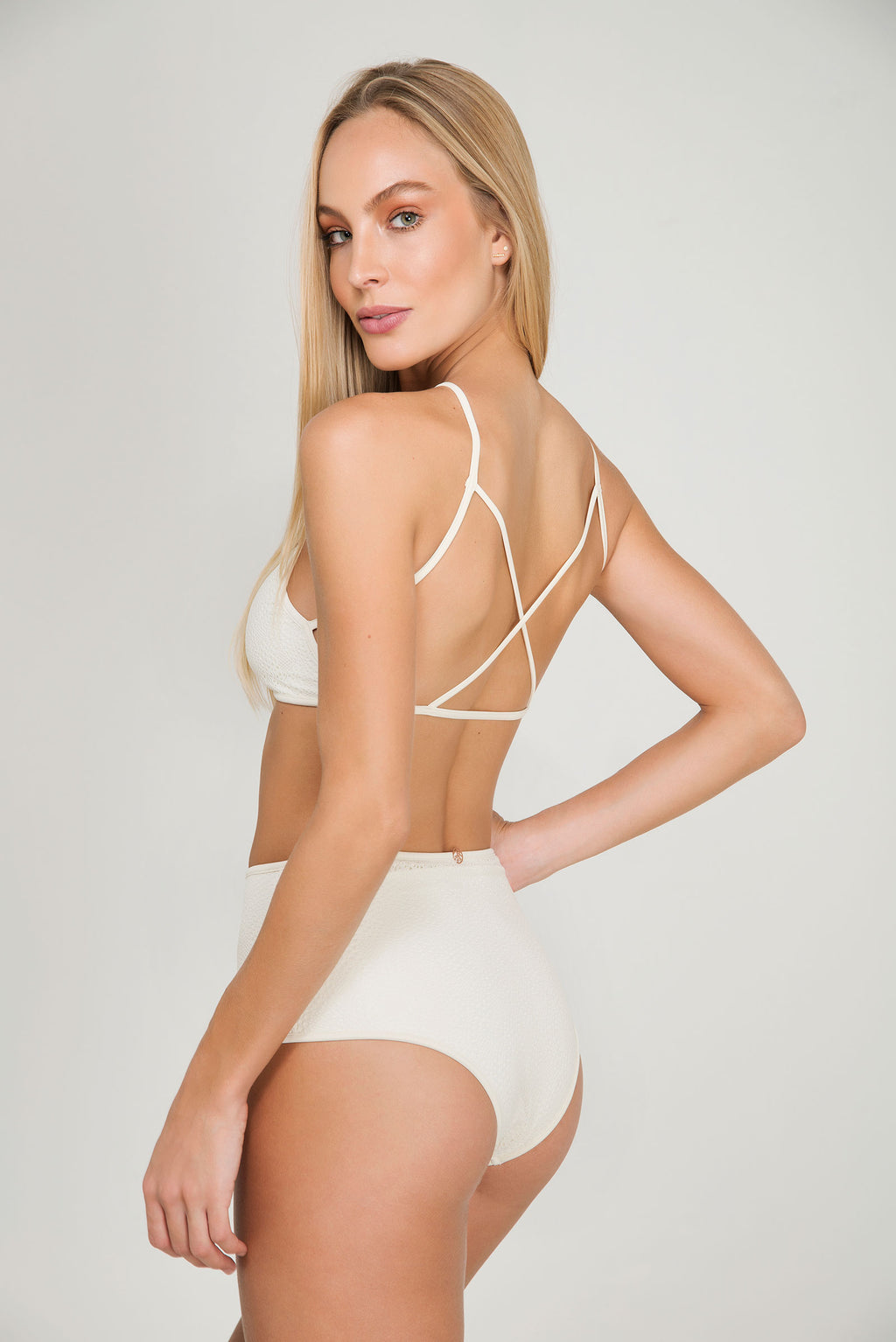 ROSE LACE CROPTOP | BOTTOM HOTPANT - LE BAIN RESORTWEAR