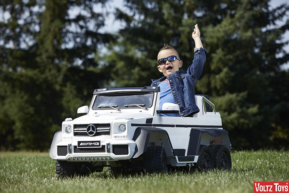 BEST GIFTS FOR KIDS- LUXURY RIDE ON CAR TOY