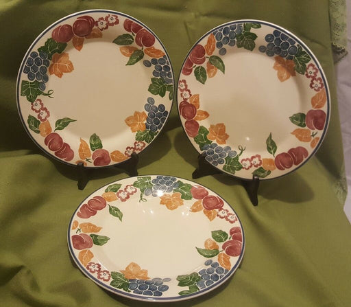 "Lot 3: Staffordshire Tableware Chianti Dinner Plates, 10"" made in England"