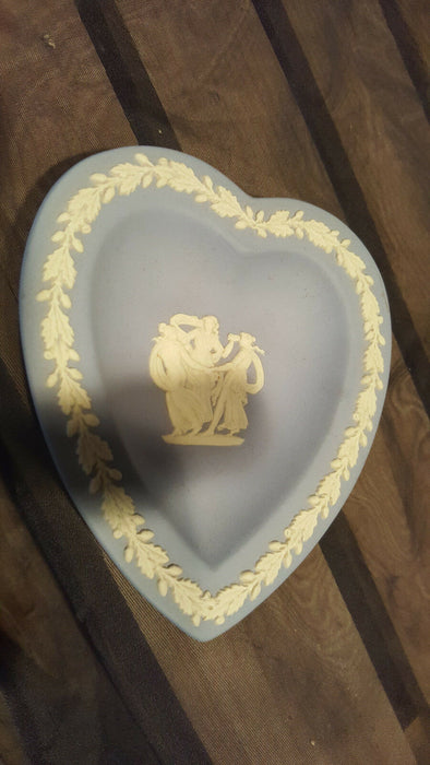 Vtg Wedgwood Blue Jasper Ware Heart Shaped Trinket Pin Dish Dancing Ladies