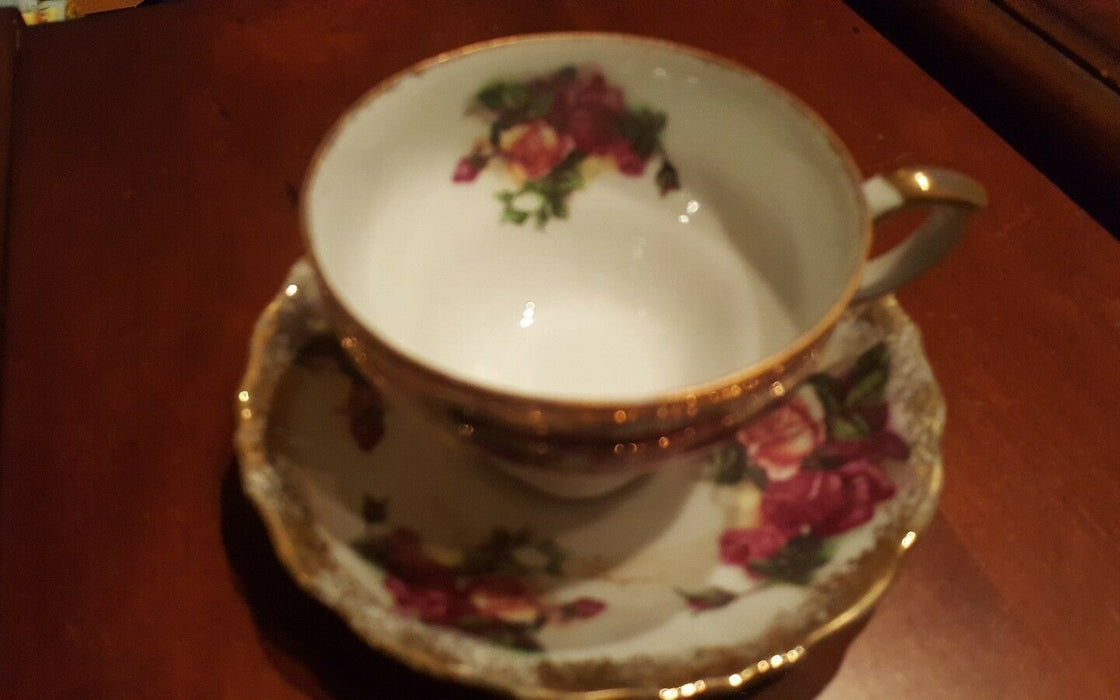Bouquet of Roses Tea Cup & Saucer GOLD Scalloped Edging, unbranded