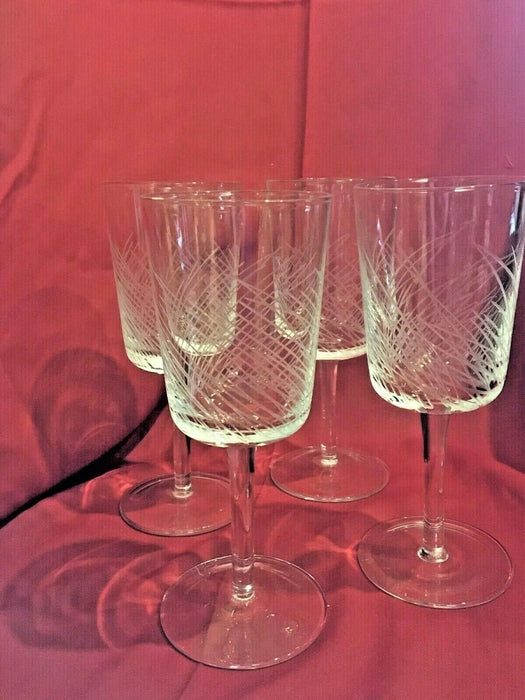 Set of 4 Water/Wine Glasses Etched Lines Clear Stems