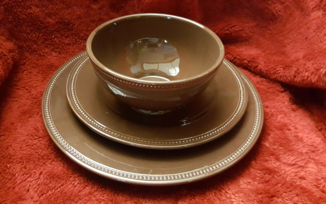 LOT 3: Blackhawk Marketing, dark brown dotted, Dinner & Salad plate, plus bowl
