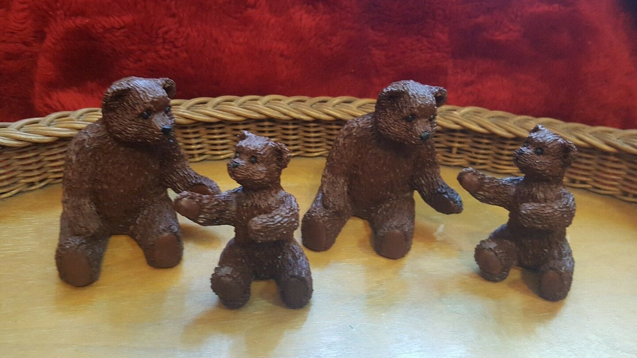 LOT 4: Red Mill Mfg. Pecan Shells Bear Statue, Mama/baby teddy bears