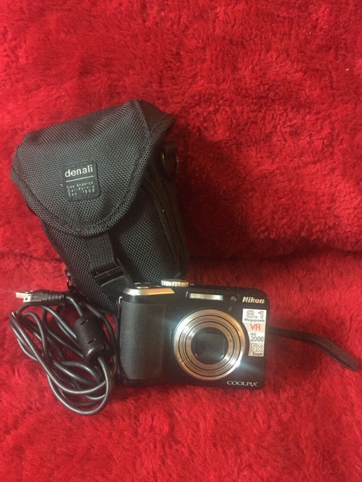 Nikon Coolpix P60 8.1 MP Digital Camera