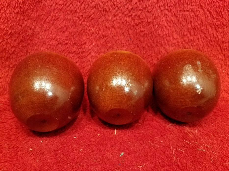 6 Piece Apple Decor, 1 Apple Baker, 3 Wood Apples 1 Ceramic Apple, 1 Apple Pic
