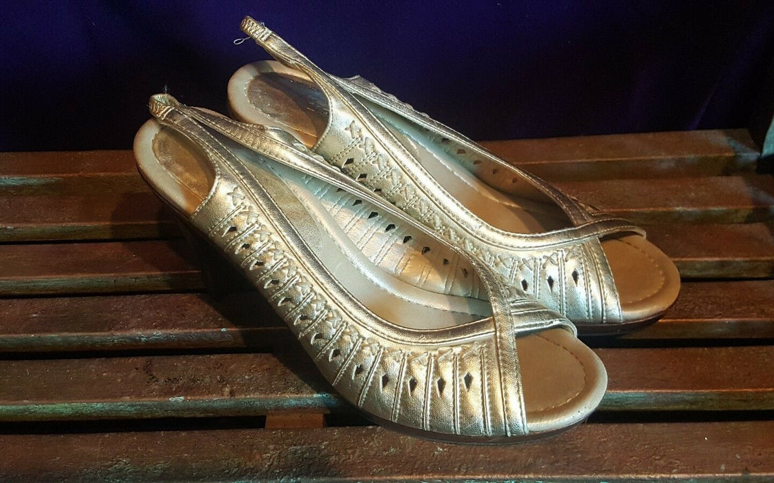 "FIONI Gold Strappy Sandals 4"" Heels Dressy Ladies Size 8.5 Open Toe"