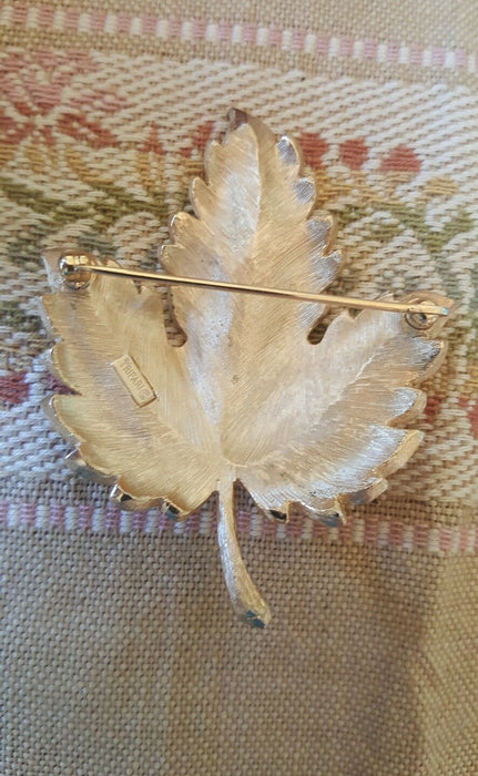 Vintage Trifari Large Brushed Gold Tone Leaf Brooch Pin Jewelry
