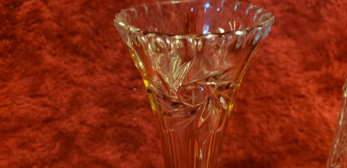 Lot 2: Beautiful Narrow Fluted Flower Carved Crystal Vase, clear & clear/amber