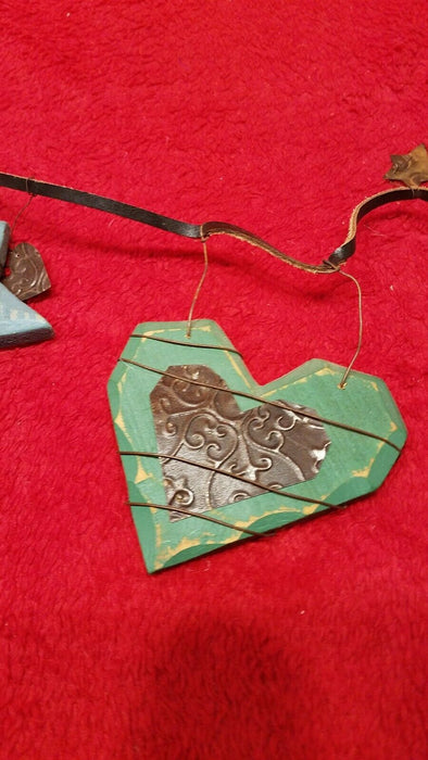 Hand Crafted Wire Wrapped Wooden 8 Stars & Hearts Decorative Wall Hanging
