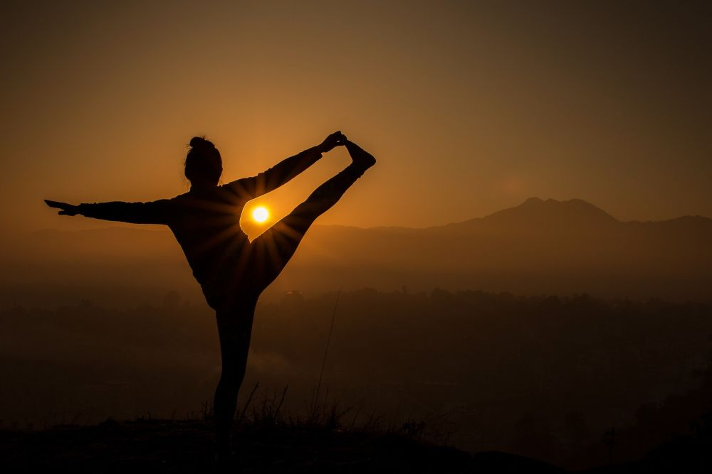 sunset yoga sun salutation benefits