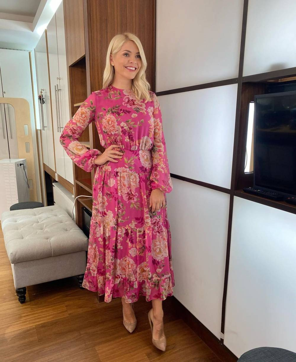 Holly Willoughby beautiful rented dress hurr