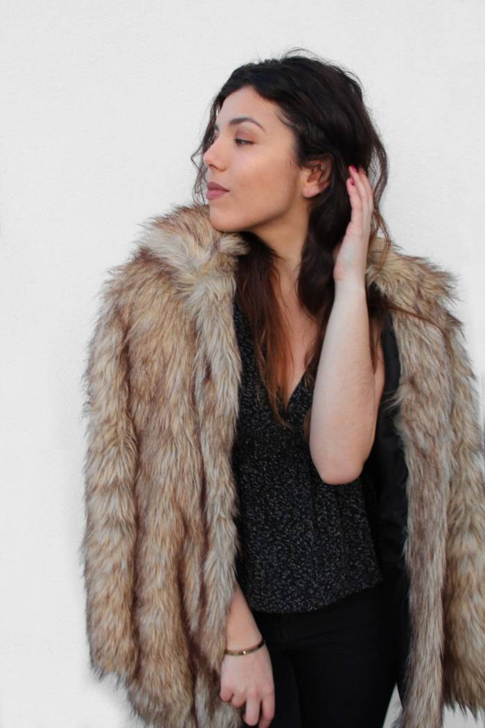 fur coat model pin