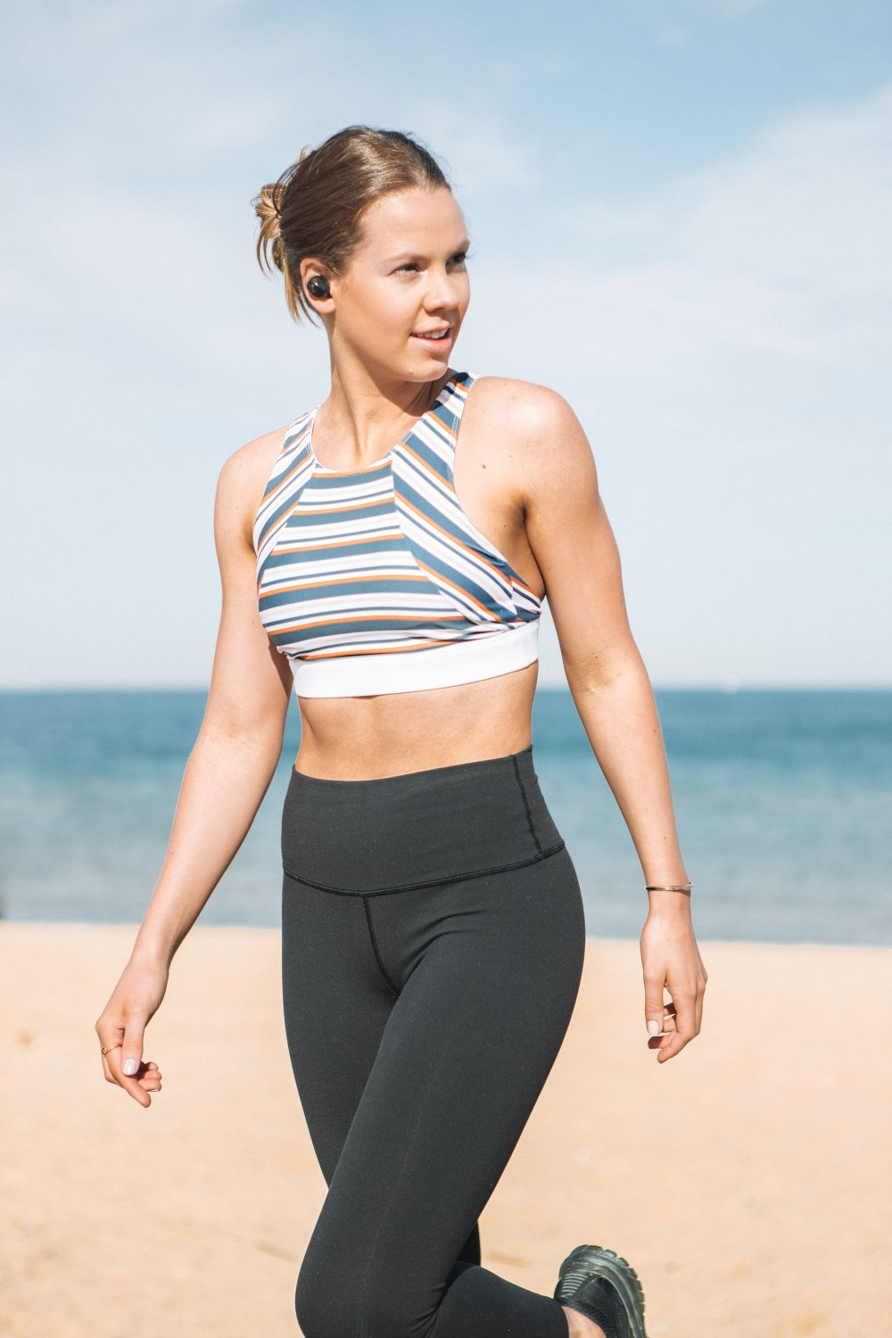 activewear model beach